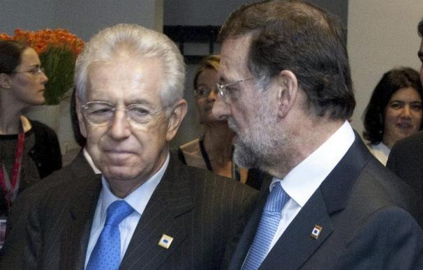 Monti recibe a Rajoy en el Palacio Chigi para analizar la crisis europea