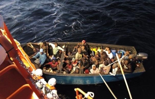La inmigración irregular se triplica en Canarias en 2015 hasta las 875 personas