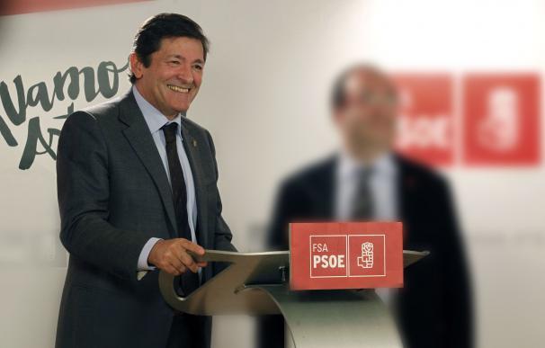 Javier Fernández, el elegido para liderar la gestora que podría abstenerse ante Rajoy