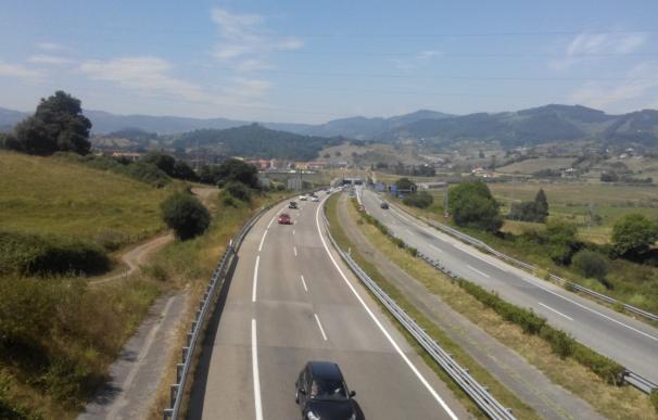 Siete fallecidos en las carreteras asturianas este verano, cinco más que en 2015