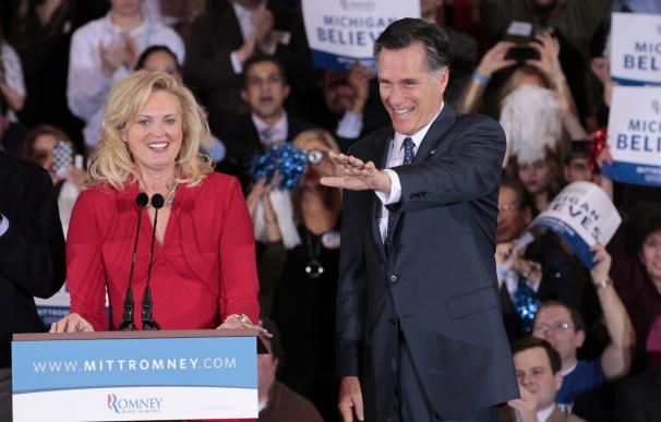 """Romney gana Arizona y Michigan y se consolida ante el """"súper martes"""""""
