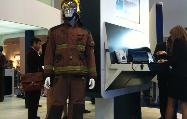 El nuevo traje de Bomberos a prueba de bombas