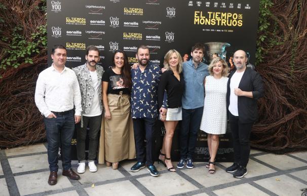 Félix Sabroso juega con los límites de la ficción en la película coral 'El tiempo de los monstruos'