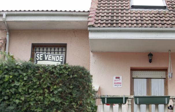 La firma de hipotecas sobre viviendas en Andalucía aumenta un 8% en julio, con 3.432 operaciones