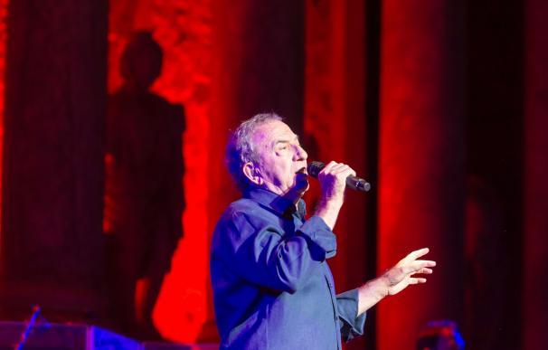 José Luis Perales abre el segundo fin de semana del Stone&Music con lleno absoluto en el Teatro Romano de Mérida