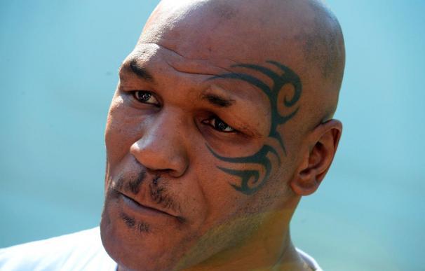 Tyson no podrá presentar libro Reino Unido porque no puede entrar al país