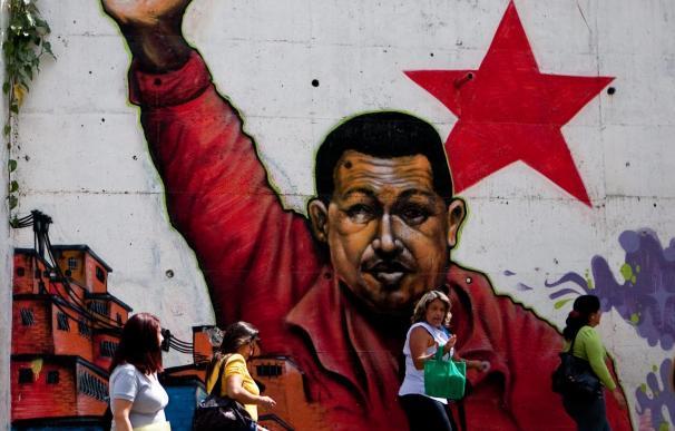 """Chávez está en """"buena condición física"""", tras superar una nueva operación"""