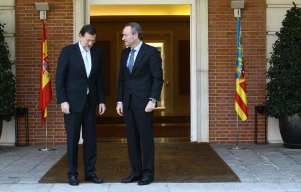 Rajoy acepta la propuesta de Fabra de celebrar una cumbre de presidentes autonómicos antes de verano