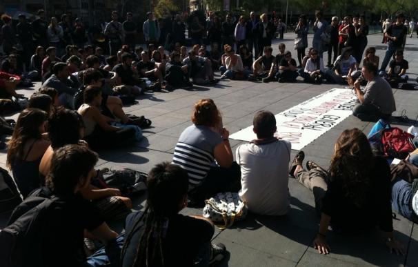 Universitarios y profesores catalanes anuncian huelga general para el 29 de febrero