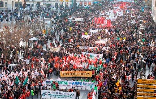 Valencia se llena de voces contra los recortes