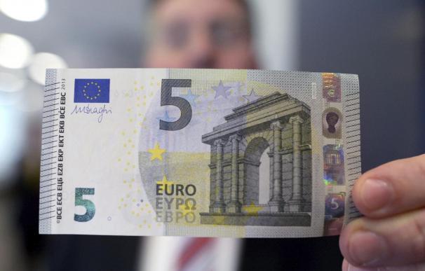 El nuevo billete de 5 euros entra en circulación el jueves