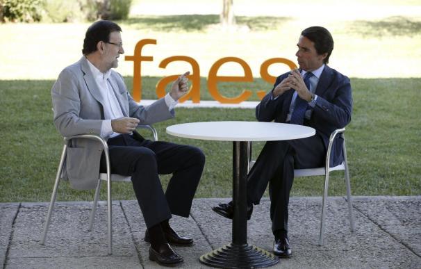 Aznar defiende ante Rajoy su reforma fiscal para que haya una rápida recuperación