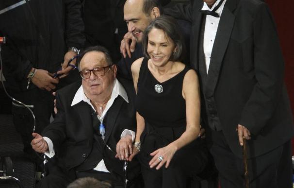 Lágrimas en el homenaje a Chespirito con sabor a despedida