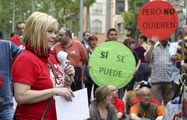 Protesta de un colectivo antidesahucios en Zaragoza.