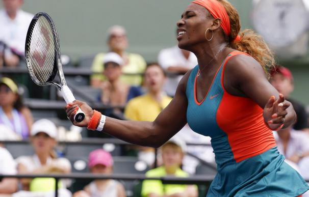 Serena Williams pasa a la final del Abierto de Miami, tras derrotar a Maria Sharapova