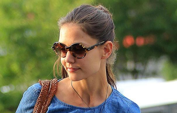 Katie Holmes será imagen de los cosméticos Bobbi Brown