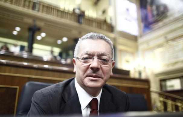 Gallardón formaliza su marcha del Congreso donde puede relevarle la directora de gabinete del jefe de Gabinete de Rajoy