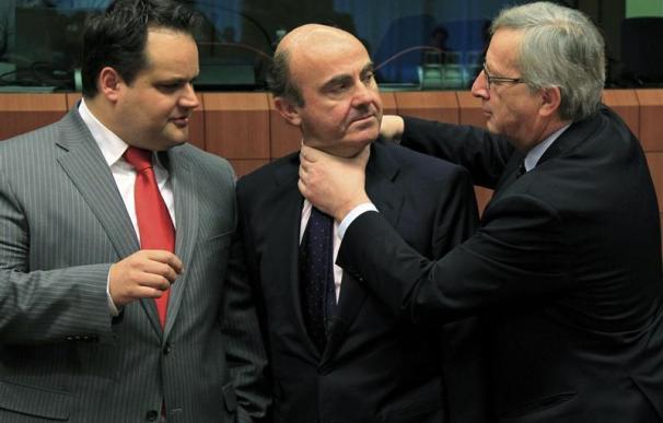 La zona euro presiona a España y aprueba la ayuda a Grecia