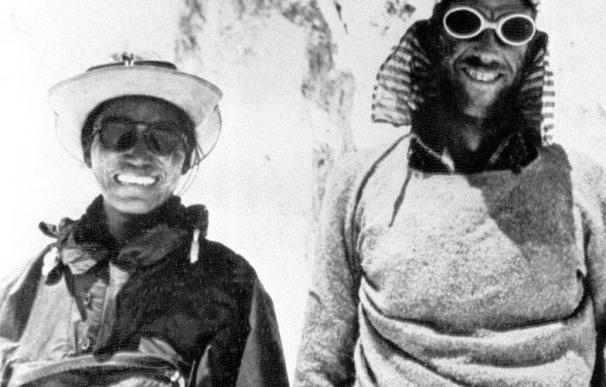 Ed Hillary y Tenzing Norgay alcanzaron la cima del mundo hace 60 años