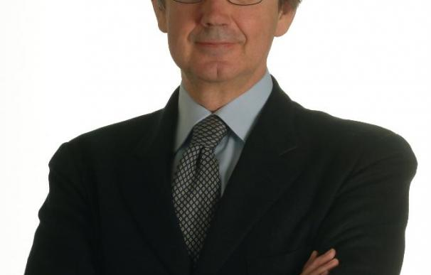 El presidente de Telecom Italia, Franco Bernabè, presenta su dimisión