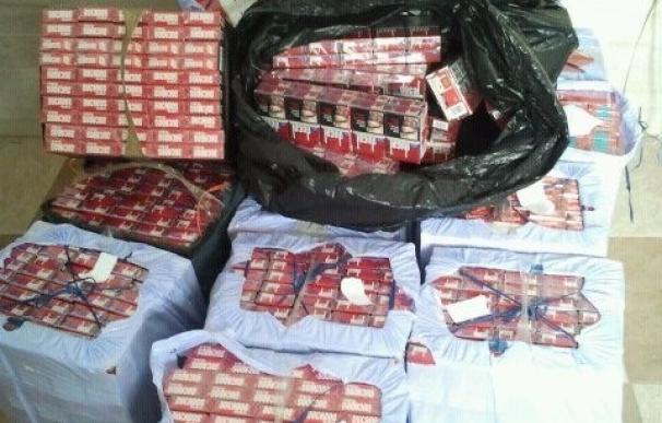 Hacienda calcula que cada año pierde 260 millones de euros en ingresos fiscales por el contrabando de tabaco.