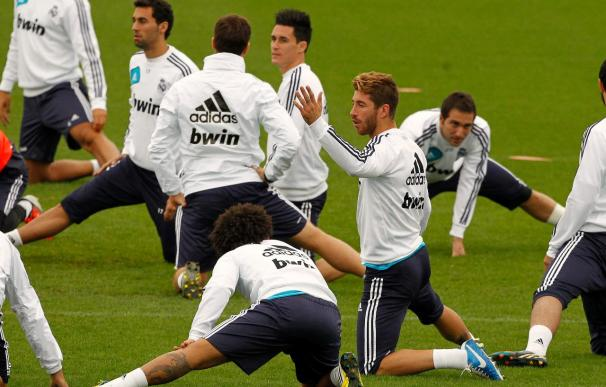 "Mourinho deja entrever que la suplencia de Ramos fue por no jugar ""a tope"""