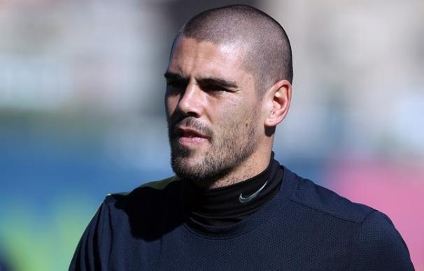 Vilanova descarta a Valdés e Iniesta y convoca a 8 jugadores del filial para la final contra el RCD Espanyol