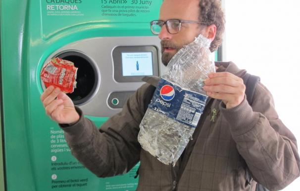 Cadaqués (Gerona) devuelve entorno al 90 por ciento de los envases que vende cada día
