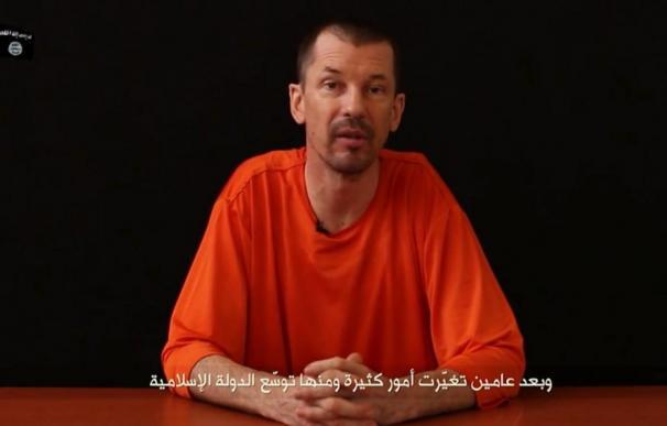 El Estado Islámico publica un nuevo vídeo propagandístico del rehén británico