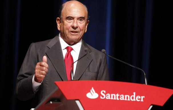 Los accionistas del Santander reeligirán hoy a Botín al frente del banco y adelgazarán su consejo