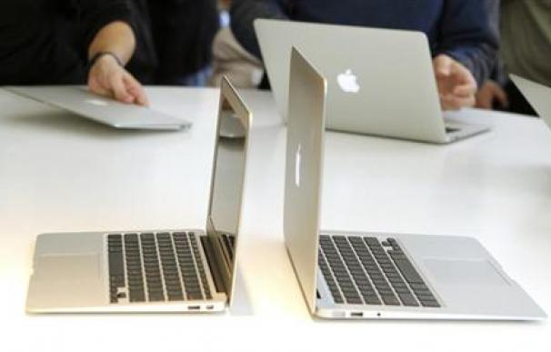 Steve Jobs, no sólo un 'friki' sino un dios para los diseñadores