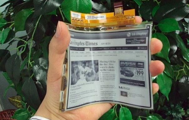 LG presenta sus pantallas de plástico flexibles