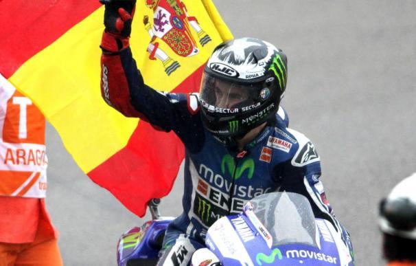 Lorenzo se estrena y Rabat se escapa; Márquez, líder en Moto3
