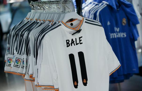 El Real Madrid pretende vender 40.000 camisetas con el nombre de Bale