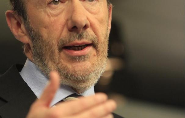 """Rubalcaba dice que los presupuestos conllevan """"más desigualdad"""""""