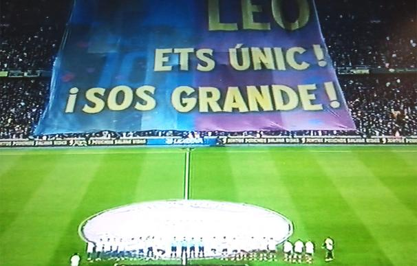 Barcelona-Athletic: una pancarta gigante homenajea a Leo Messi