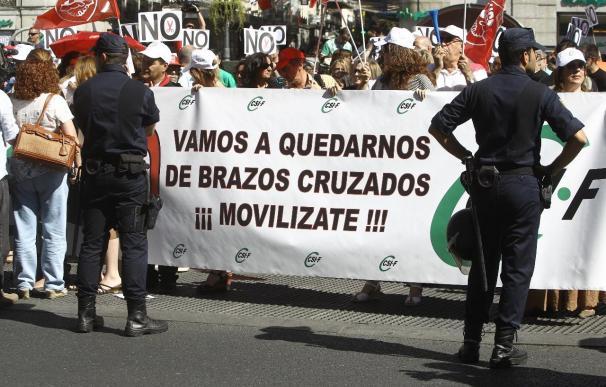 Protesta sindical contra los recortes salariales en la Función Pública.