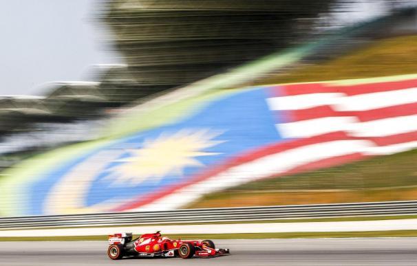 Rosberg por delante de Kimi en Sepang; Vettel y Alonso resisten