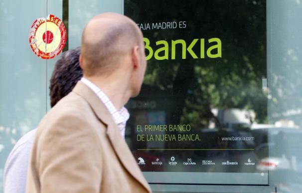 Bankia elimina comisiones de cuentas y tarjetas