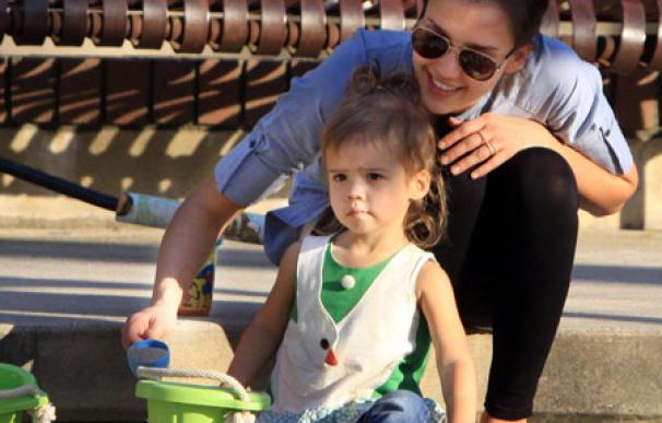 Jessica Alba no quiere que su hija se vista sola