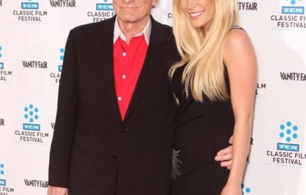 Crystal Harris vende el anillo de compromiso de Hugh Hefner