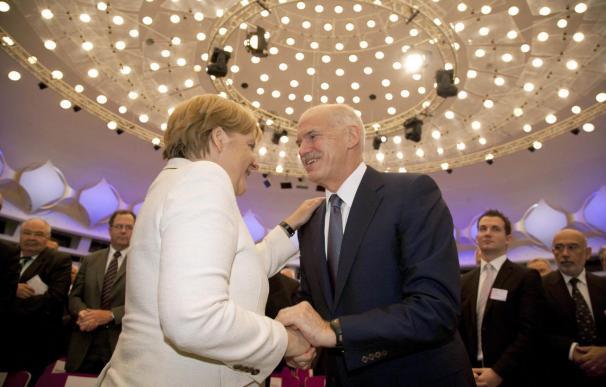 Merkel expresa su confianza a Papandreu de que Grecia cumplirá sus compromisos