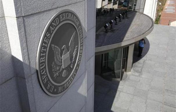 La SEC subraya el éxito de su programa de pago a confidentes para detectar fraudes.