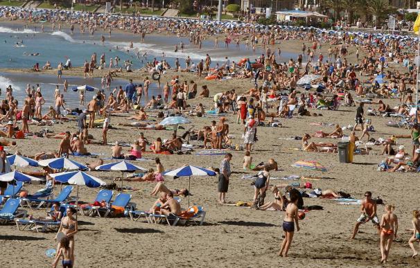 El número de turistas en Tenerife sube en agosto un 4,6 por ciento por los extranjeros