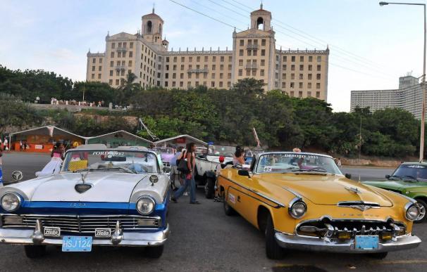 Cuba autoriza la compra-venta de automóviles tras décadas de prohibición