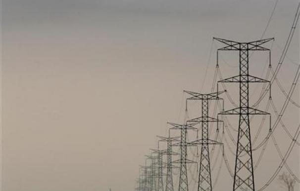 El Gobierno congelará el precio de la luz en el último trimestre