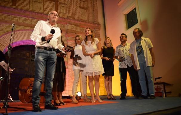 El ciclo de poesía en El Laurel de La Zubia premia al Festival de Medellín