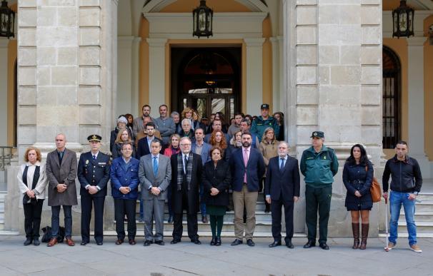 La Junta se suma a las convocatorias de minuto de silencio ante los ayuntamientos en señal de repulsa