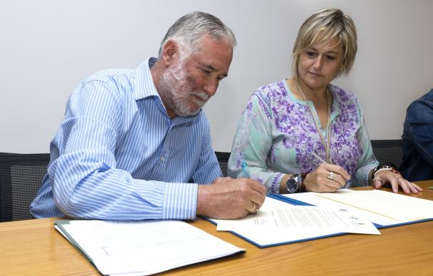 Camargo se suma al programa de recursos educativos del Gobierno, del que se beneficiarán más de 3.500 escolares