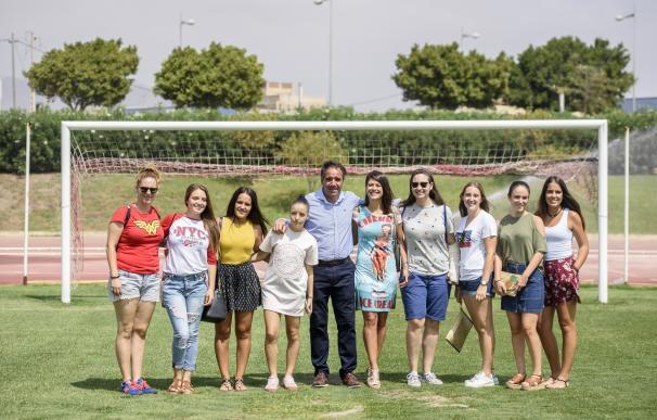 El fútbol senior femenino se estrena en esta feria de Almería con un torneo con cuatro equipos